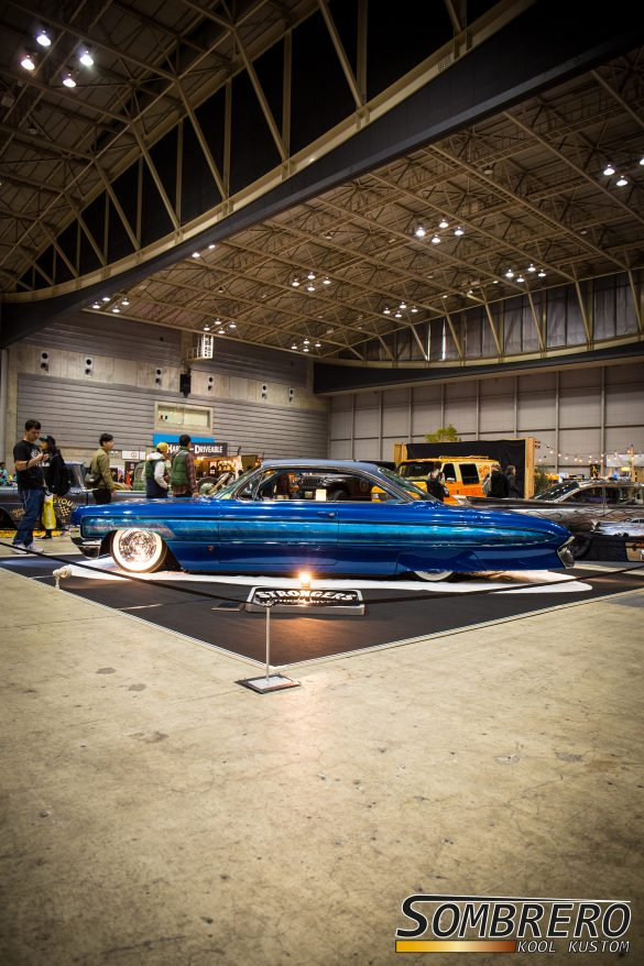 1961 Oldsmobile Hardtop Coupe Neptune auf der Hot Rod Custom Show in Yokohama 2016