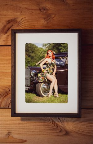Lady Kate De Mon, 1929-30 Ford Model A Hot Rod, Bild mit Rahmen